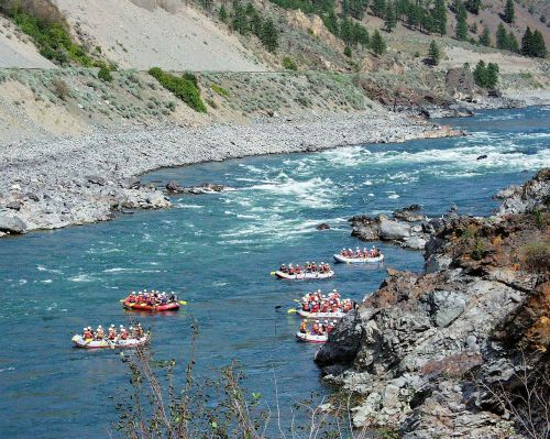 river rafting fraser river water