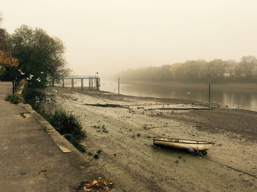 river thames england river