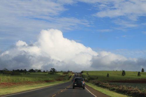 kelias,greitkelis,kraštovaizdis,kaimas,kalvos,medžiai,kelyje,dangus,debesys,gamta,lauke,lauke
