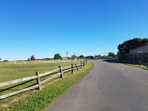 road  grass  guidance