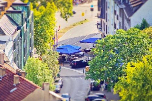 road  parasols  city