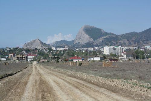 road crimea city