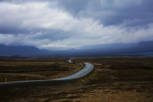 road iceland horizon