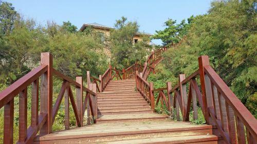 road stairs bending