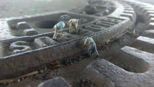 road construction  gulli  miniature figures