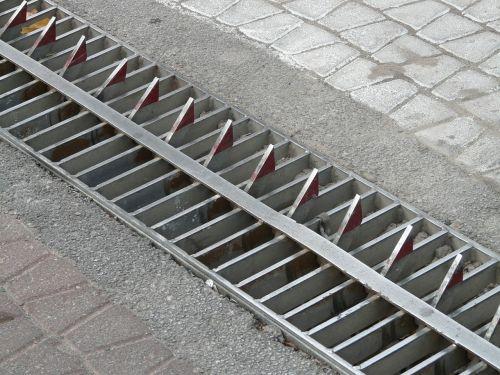 roadblock metal teeth roadway