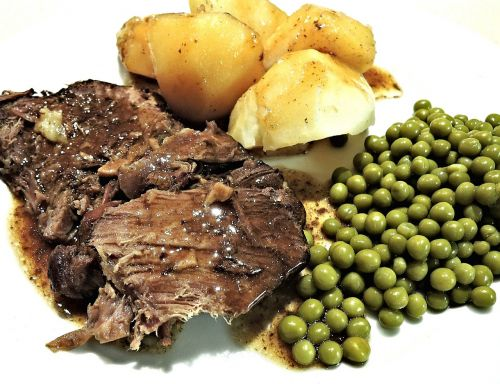 roast beef slow cooked red wine