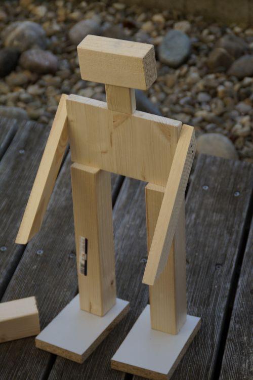 robot males wood work