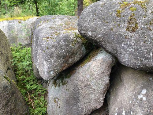 rock megaliths labyrinth