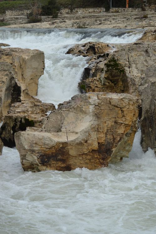 rock current water