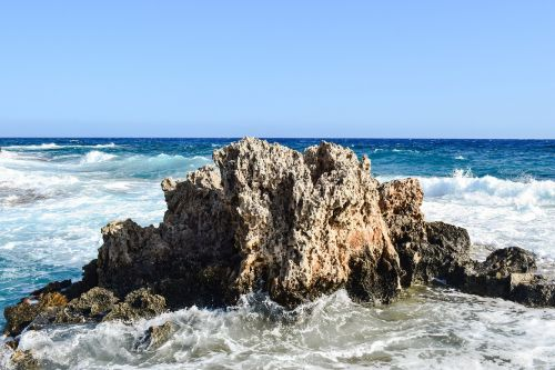 rock sea waves
