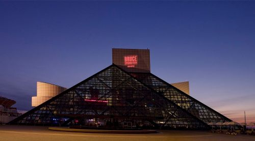 rock and roll hall of fame landmark night