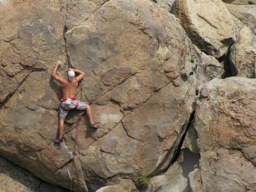 rock climbing lead climbing adventure