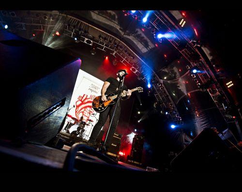 rock concert singer lead singer