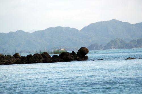 akmuo, akmenys, vanduo, papludimys, juodas & nbsp, akmuo, skystas, vandenynas, roko & nbsp, akmuo, akmens akmuo jūroje 3