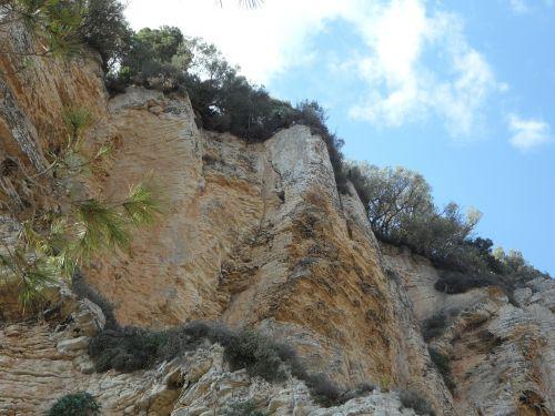 rock wall mallorca cliffs