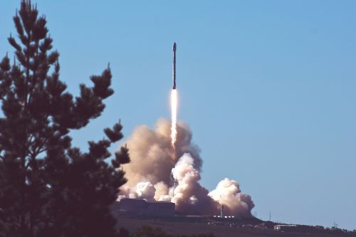 rocket smoke trees