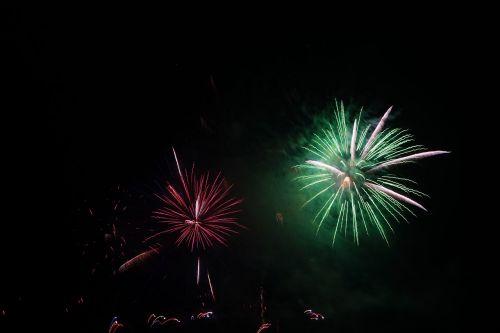 rocket green fireworks
