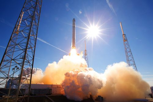 rocket launch spacex lift-off