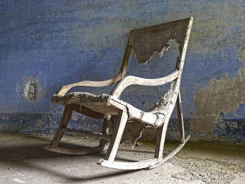 rocking chair rocker old