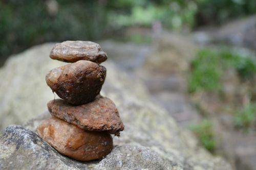 akmenys,uolienos formacijos,upė,upių uolos,Šri Lanka,ceilonas