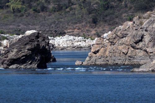 akmenys, upė, gamta, akmuo, paviršius, kalvos, uolos ir upė 4