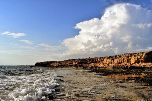 uolos pakrantė,bangos,jūra,dangus,debesys,gamta,kraštovaizdis,pakrantė,uolos,erozija,ayia napa,Kipras