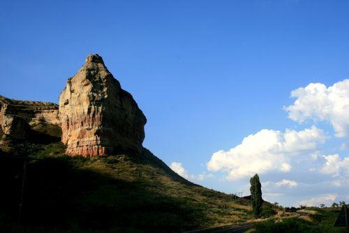 rocky outcrop clarens region sandstone