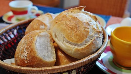roll cakes weizenbroetchen