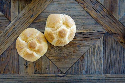 roll  breakfast  wooden table