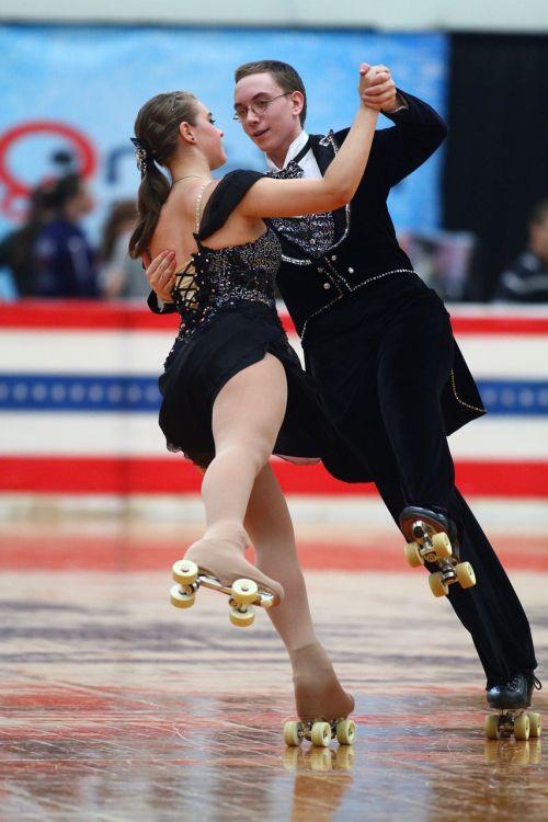 roller figure skating figure skating dance skating