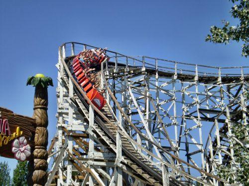 rollercoaster attraction adrealin