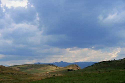 rolling hills folds green ridge