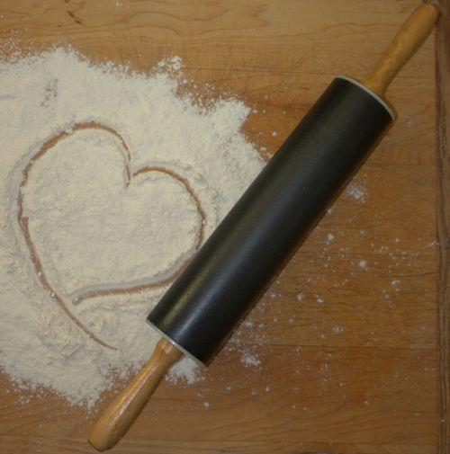 rolling pin flour bake