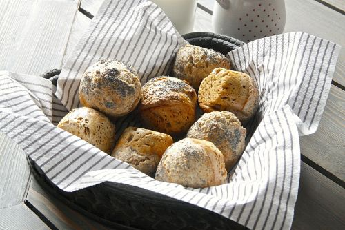 rolls buns long raised