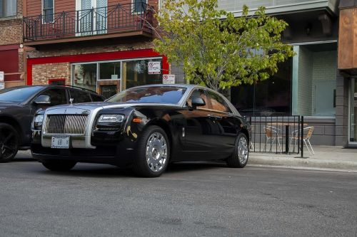 rolls royce luxury automobile