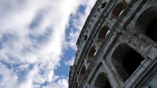 roma sky colosseum