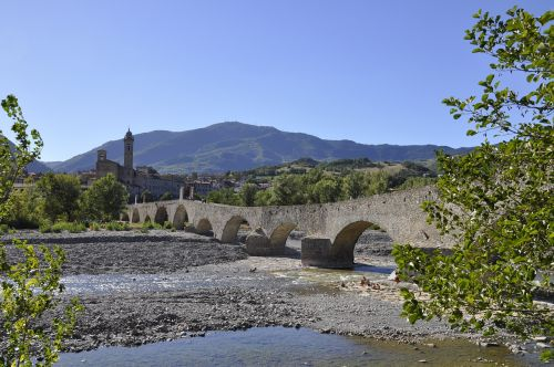 roman bridge stone bobbio