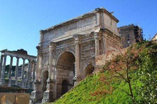 roman forum rome columns