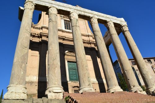 roman forum columns italy
