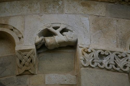 romanesque style sculpture church