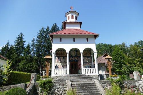 romania  carpathian mountains  transylvania