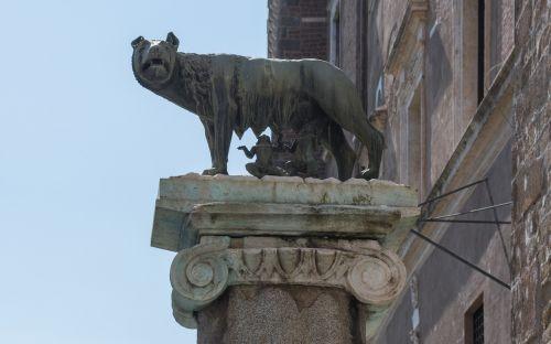 rome capitoline wolf place du capitole