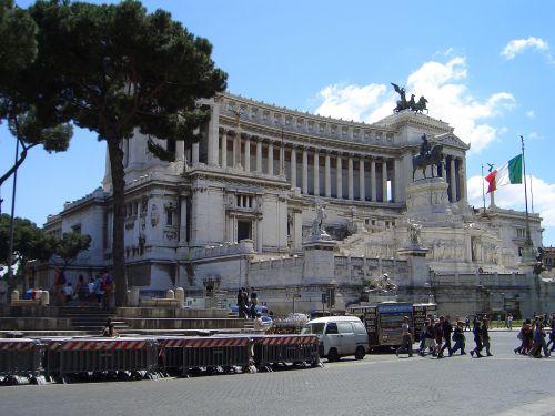 rome piazza venezia altar