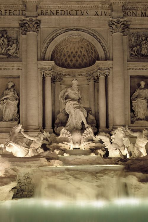 rome fontana di trevi night