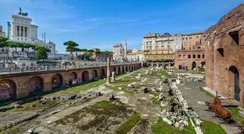 rome ruins monument
