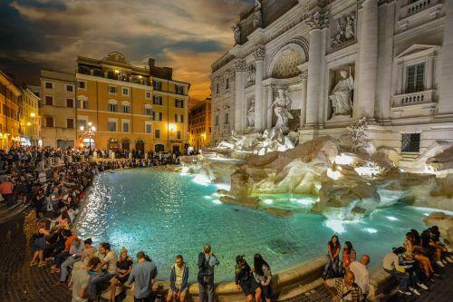 rome trevi evening