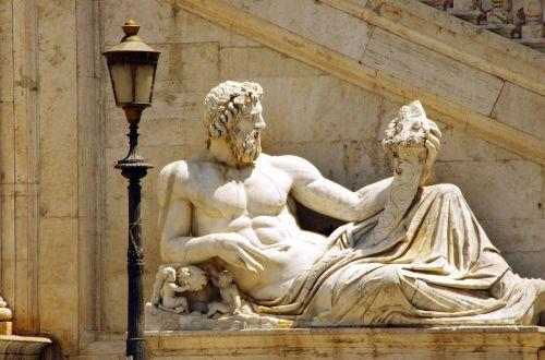 rome statue horn