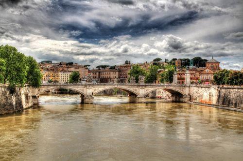 rome tiber bridge