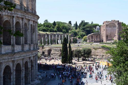 rome the coliseum ancient times